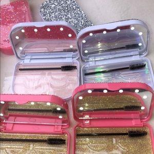 eyelash couture Makeup - LED EYELASH LIGHT CASES!✨PINK AND SILVER!